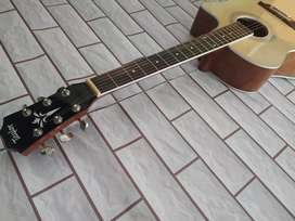 Akustik gitar natural taylor
