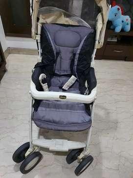 Baby pram (chicco)