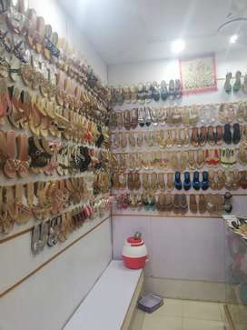 running shop inmian khel bazar in front of islamabad shoping mall
