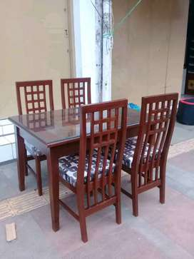 Meja makan kayu jati 4 kursi