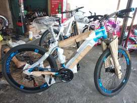 Sepeda gunung merek oddesy ukuran 26
