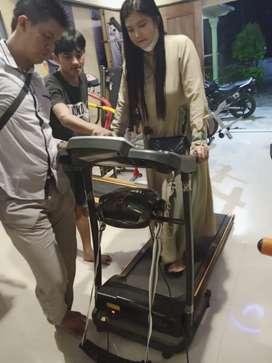 Treadmill electrik 2 fungsi bisa cod