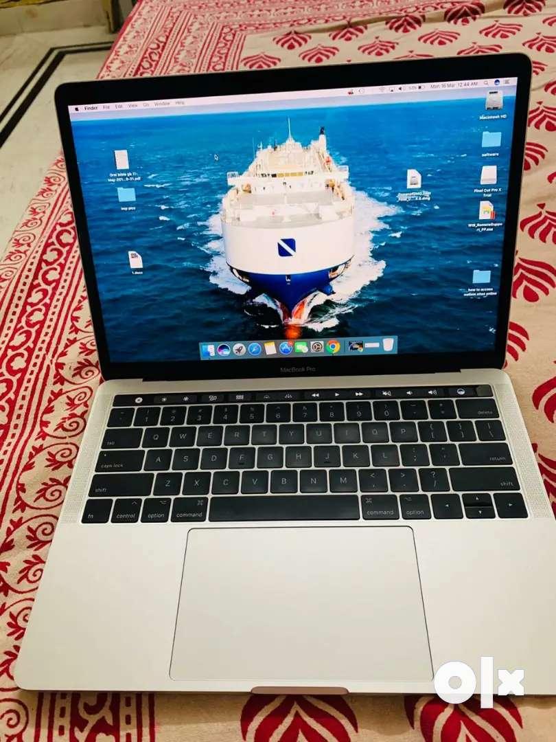 Apple MacBook Pro 13 inch touchbar 0