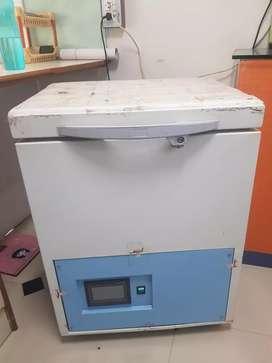 Mobile display  freezer