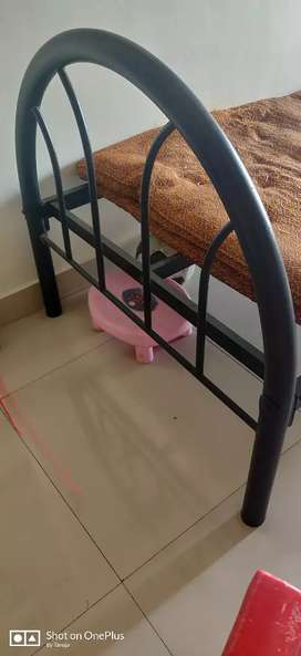 Iron bed 2 years old