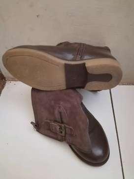 Sepatu casual kulit