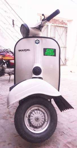 Vespa Supper 150CC Great Condition Cool Color and Comfortable drive