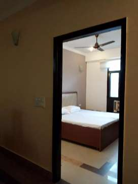 3bhk furnished newly built gms road and isbt