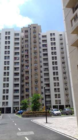"Newtown""(Uniworld City) ""Unitech Vistas""Big complex 2 bhk READY FLAT"