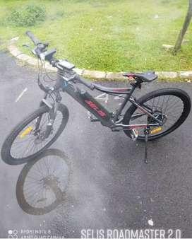 Sepeda listrik merk selis