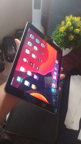 Tablet Ipad gen 6 32gb Wifi Fullset mulus