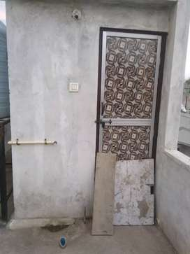 One single room for rent, allow for bachelor and family also.