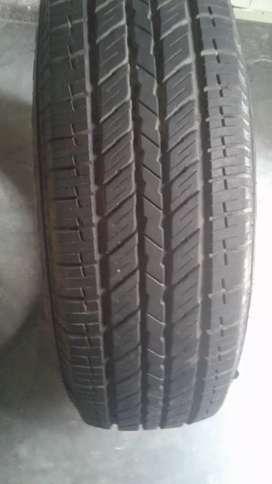 Scorpio tyre 90 percent new tyre 3000rupee