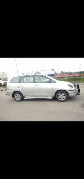 Toyota Innova 2005 2.0 VVT-i. Silver. CNG & Hybrids. Well Maintained