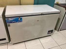 DIJUAL Kulkas Chest Freezer GEA 396 Ltr