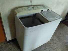 Samsung semi-automatic washing machine 6 KG capacity