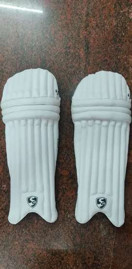 Sg adults cricket pad