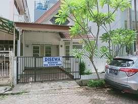 Disewakan rumah siap huni di Bintaro Sektor 5