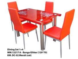 Meja makan empat kursi bahan besi ada tiga warna