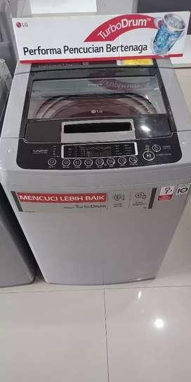 Mesin cuci LG dengan Turbo Drum.