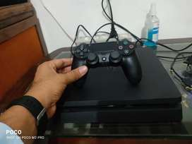 Ps4 slim 1tb ,4 month old with bill 8 month warranty