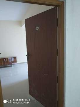 2bhk semi furnished flat near kempfort mall murugeshpallya for more in