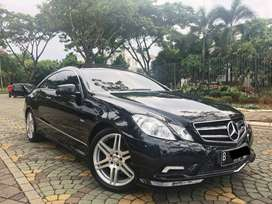 E250 amg coupe 2011 black on red rare