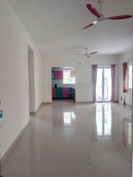 15,000 3 BHK, Residential Apartment for rent in Kovaipudur