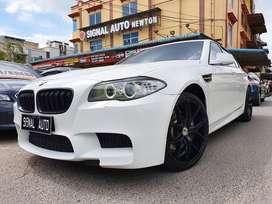 BMW 528i a/t (Regis 2015)