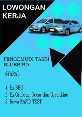 Lowongan pengemudi taksi online Blue Bird
