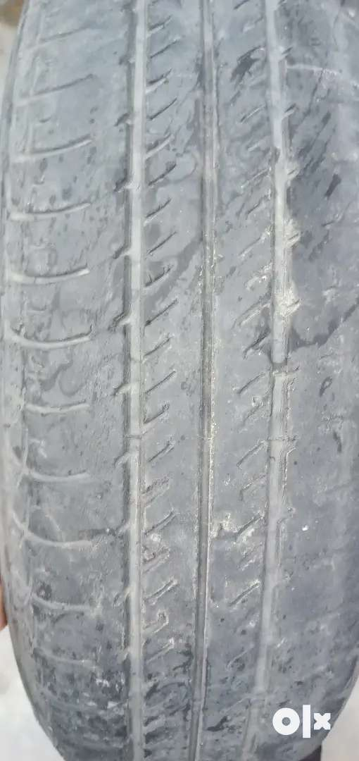Celaryo k tyre hai tubeles hai good condition or Honda City new tube 0