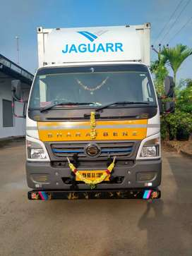 Bharat Benz 1215 22 feet container