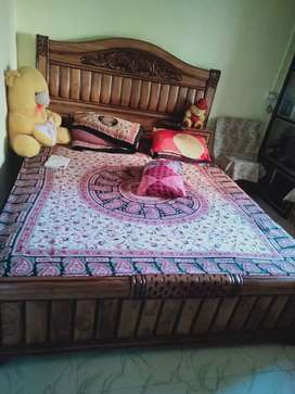 Bed in superb condition box bed in good quality  with affordable price