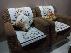 Good conditions 5 seater sofa set