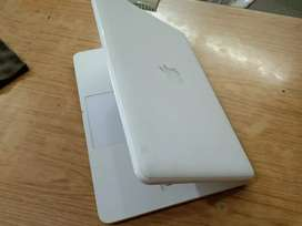 Apple MacBook Mid-2010