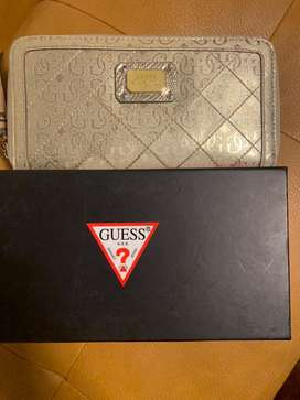 Guess ladies wallet used but like new with box