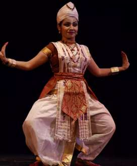 Dance teacher available satriya&modern &bihu for school and college