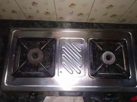 Gas stove with 2 burnels