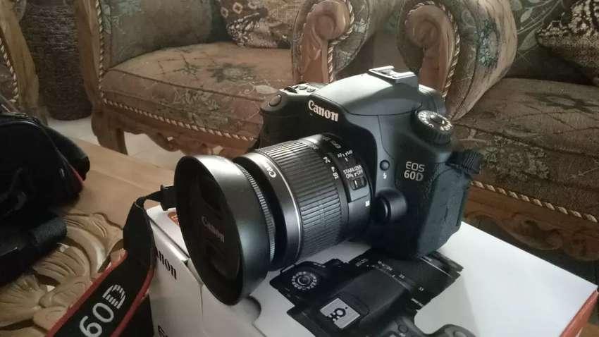 Jual camera canon 60D 0