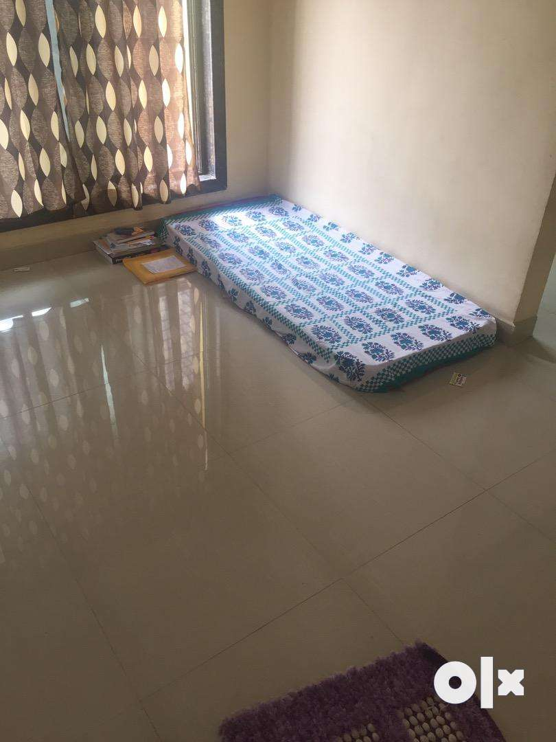 NEED A ROOMATE IN ULWE SECTOR 20 0