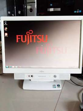 Pc all in one builup Fujitsu spek tinggi t8100  ram2gb hd lcd 19'