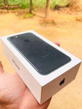 Iphone 7 black 32 gb all original sealed phn