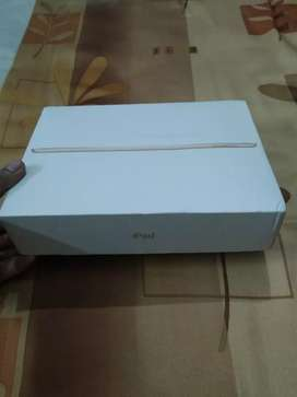 iPad 6th generation, 32 gb, wifi..Apple pencil.