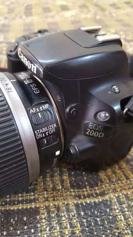 Canon 200D with 18-200 STABILIZER LENS