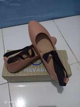 Sepatu fashion wanita