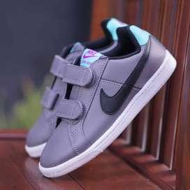 ORIGINAL Nike Sepatu Anak Kids Kid Laki-laki Grey Velcro Slip On BNWB