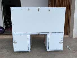 Kotak box penyimpanan motor