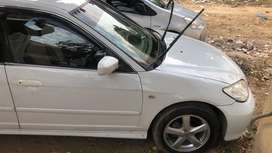 Civic vti 2004 white color
