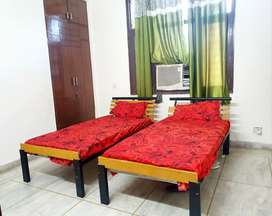 PG FOR BOYS NEAR SECTOR 56 ON GOLF COURSE ROAD