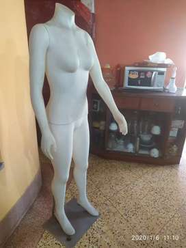Mannequin Girl, Colour white , 9 months old, imported item.